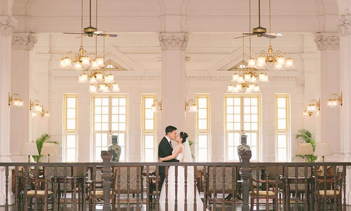Beautiful Pre-Wedding photos at Raffles Hotel