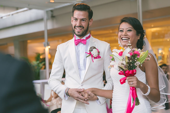 Sophisticated fuchsia-themed wedding at Goodwood Park Hotel