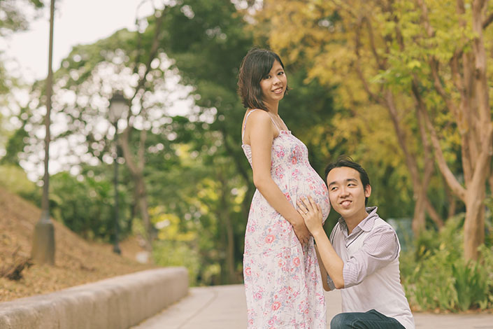 Maternity shoot at Fort Canning (Richard & Michelle)