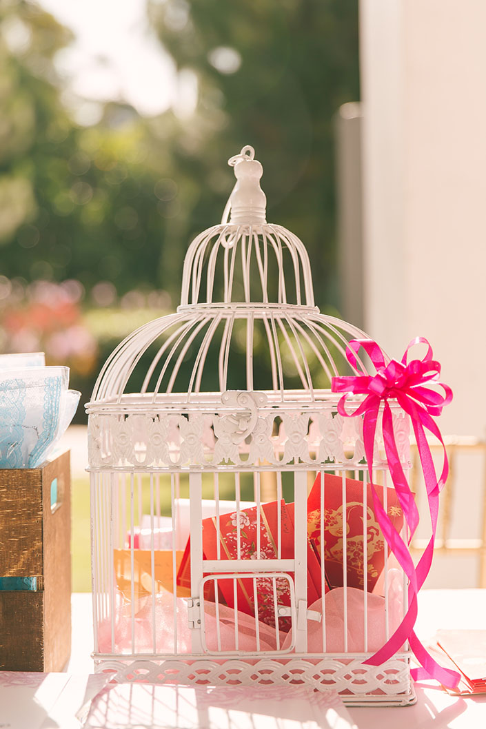 Bird cage ang bao holder
