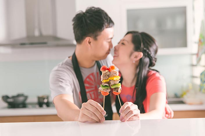 Food/Cooking-themed Pre-wedding Photography