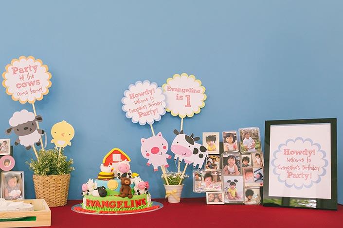 Barnyard-themed Birthday Party Photography