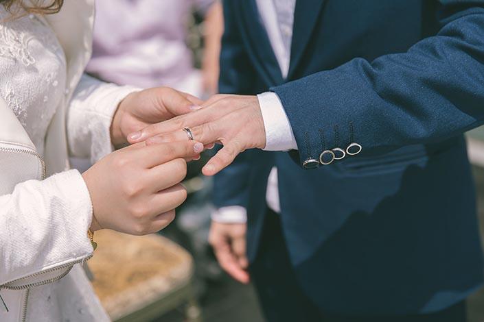 Wedding Day Photography at Fullerton Bay Hotel (Solemnization)