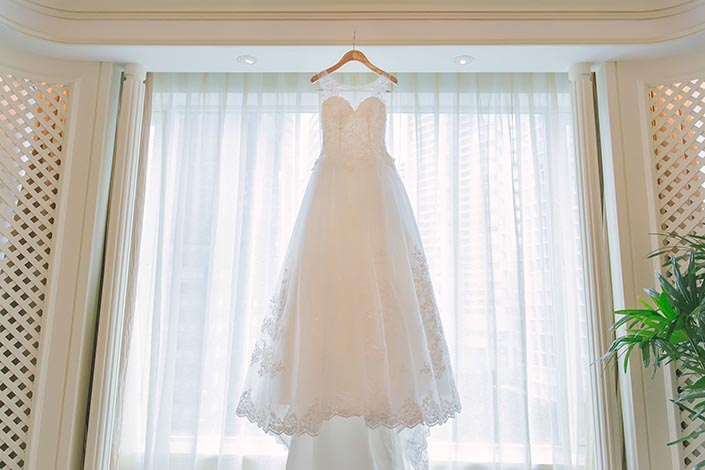 Fairytale Elegant Wedding Day Photography at Shangri La Hotel