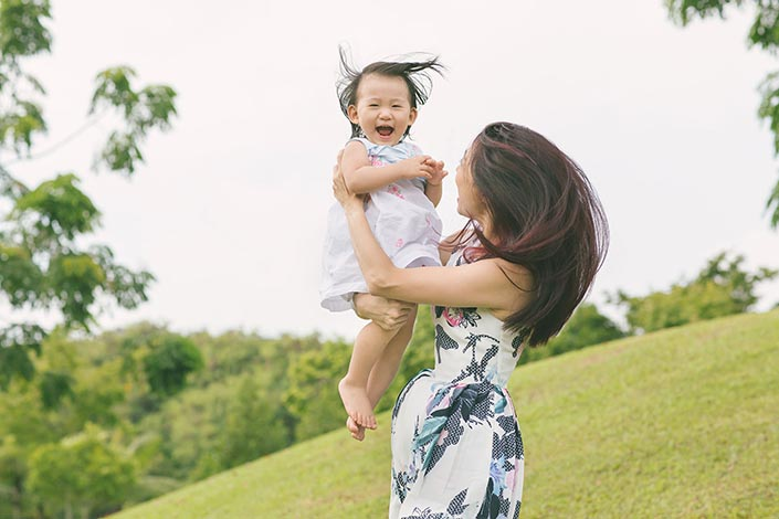 Outdoor Family Photoshoot at Punggol Waterway