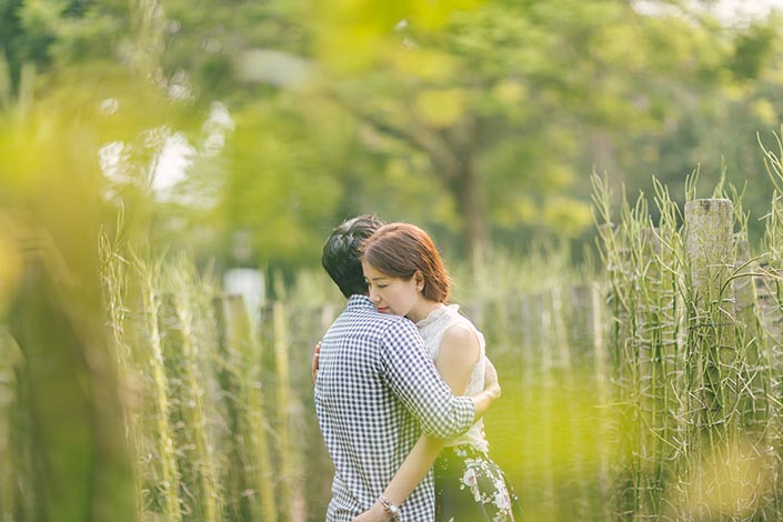 Picnic Perfect Love Story Photography at Singapore Botanical Gardens