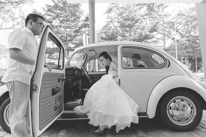 Wedding Photography Singapore Minibug