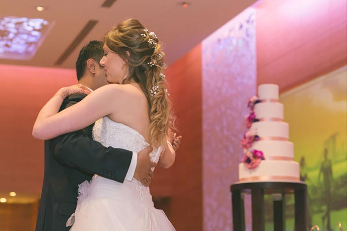 Singapore Wedding Day Photography at Grand Hyatt - First Dance