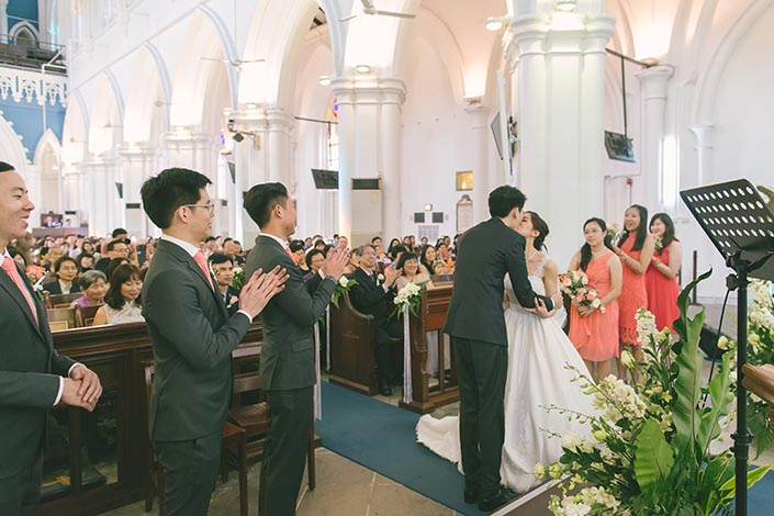 Singapore Wedding Actual Day Photography at St Andrews Cathedral (First kiss)