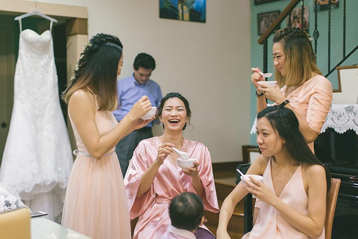 Actual Wedding Day Photography Singapore (Gatecrash games preparation)
