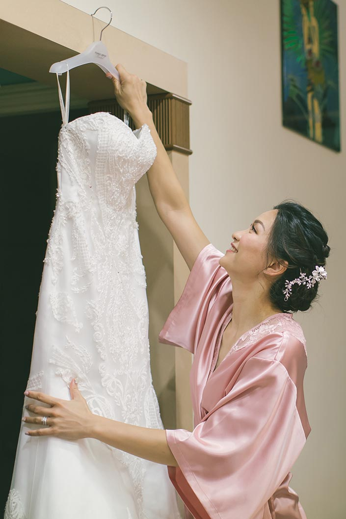 Actual Wedding Day Photography Singapore (Bride and Wedding Gown)
