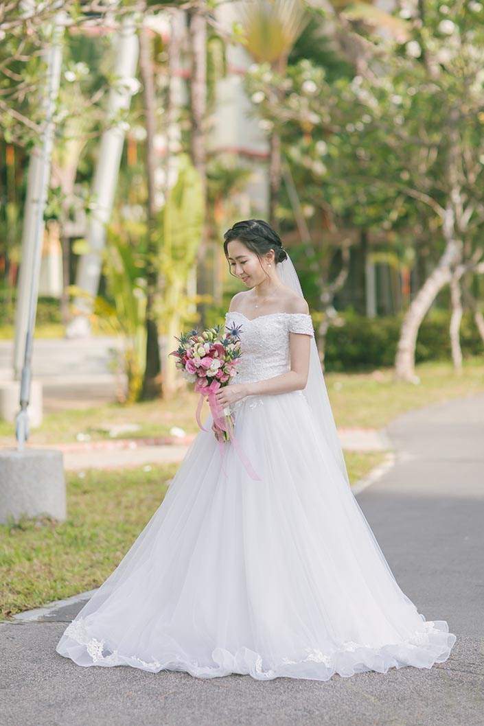 Singapore Actual Wedding Day Photography at Woodlands Admiral Garden (Bridal portrait)