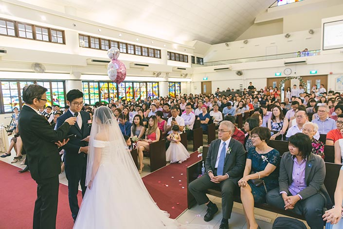Singapore Actual Wedding Day Church Photography at Bedok Lutheran Church (Exchange of marriage vows)
