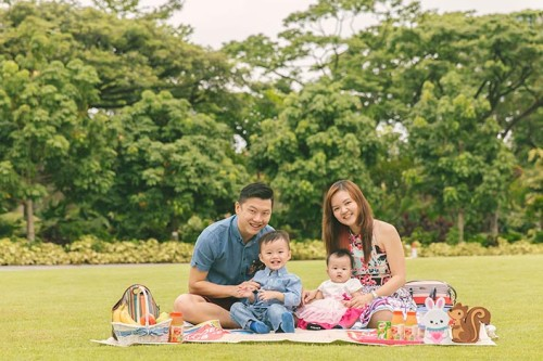 Outdoor Family Photography Session to Celebrate 6-month old Clarisse (Dylan & Candice)